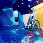 Planeta Hotel water room